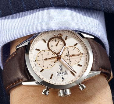 #RAYMONDWEIL #Freelancer Automatic chronograph. Steel on a leather strap, rose gold PVD plated indexes and hands.