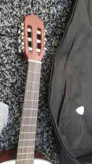 Schöne Gitarre wie neu in Niedersachsen - Melle | Musikinstrumente und Zubehör gebraucht kaufen | eBay Kleinanzeigen
