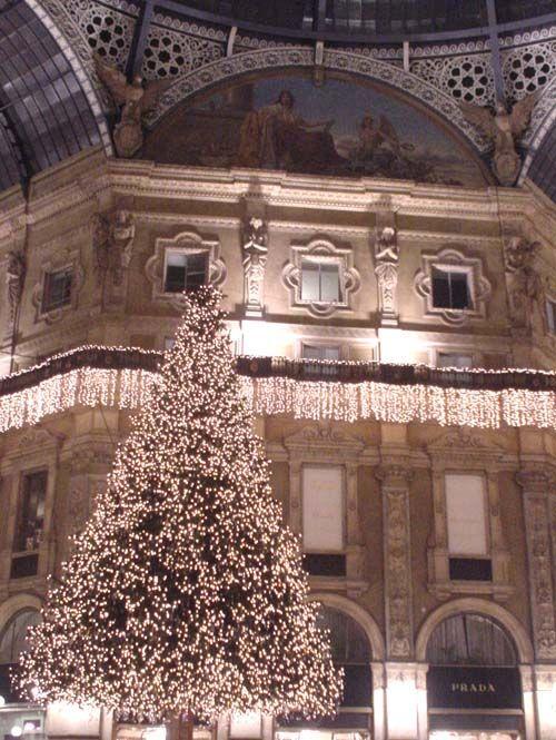 La Galleria Vittorio Emanuele II di Milano ....