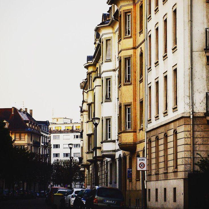 Un petit tour dans le quartier des musiciens #strasbourg #strasbourgorangerie #strasbourgmusiciens #architecture #architecturealsace #promenadestrasbourgeoise