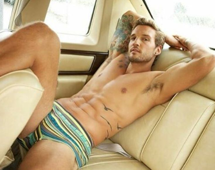 Pin By ShirtlessWeb On CAR Shirtless : Ripped Six Pack Abs