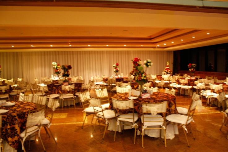 Salones de eventos sociales para bodas cumplea os for Locales para cumpleanos en sevilla