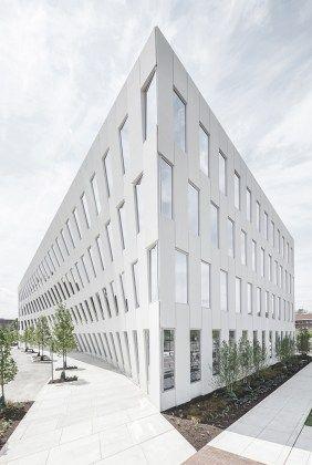 Modern Office Building Design (46)