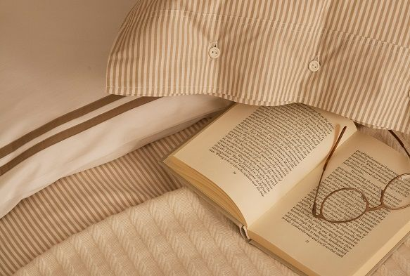 You can't beat a lie in and a good book... (bedding from #Lexington)