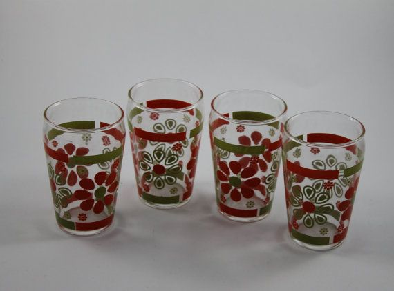 Red+and+Green+Daisy+Retro+Glassware+Tumblers+by+SidetrackedVintage