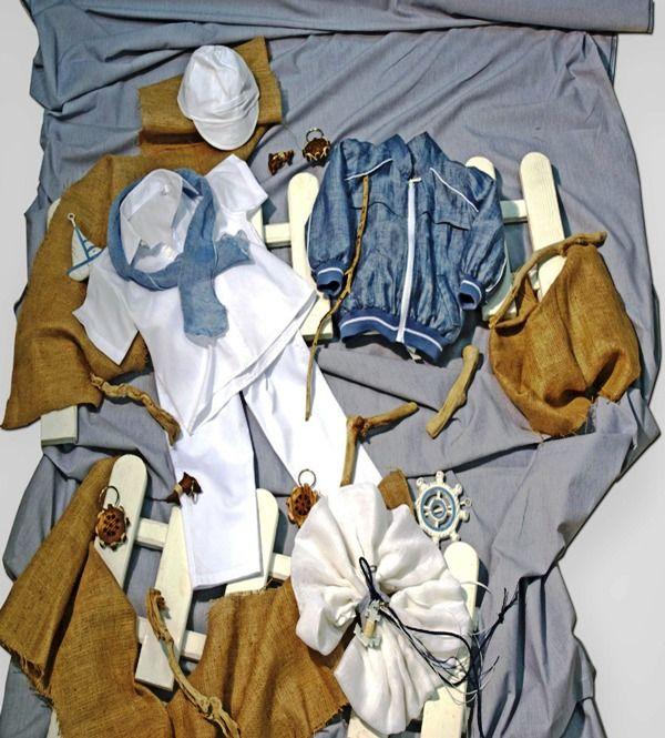 Βαπτιστικό πακέτο για αγόρια, ναυτικό σχέδιο με λευκό παντελόνι,- πουκάμισο και σιελ φουλάρι και μπουφάν. Ένα πολύ όμορφο ρούχο με άρωμα καλοκαίρι. 330,00 €