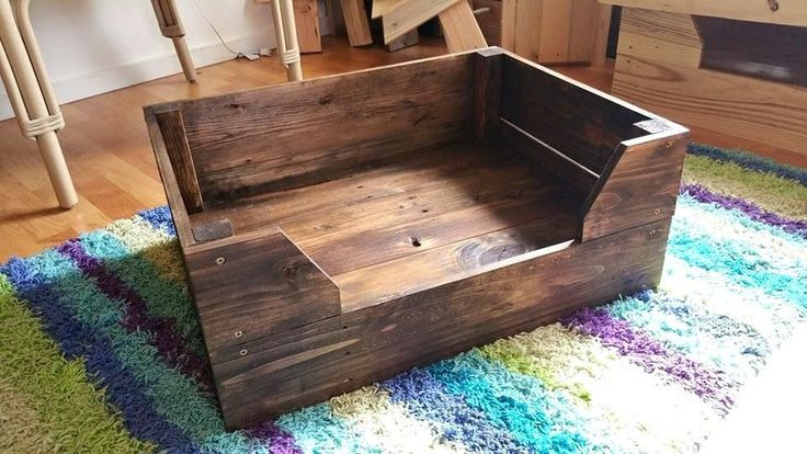 Easy To Make Pallet Dog Bed Pallet Furniture Diy How To Make A Raised Wooden Dog Bed How To Make Wood Dog Bed Frame How To Build A Wooden Dog Bed Frame #dogbeds