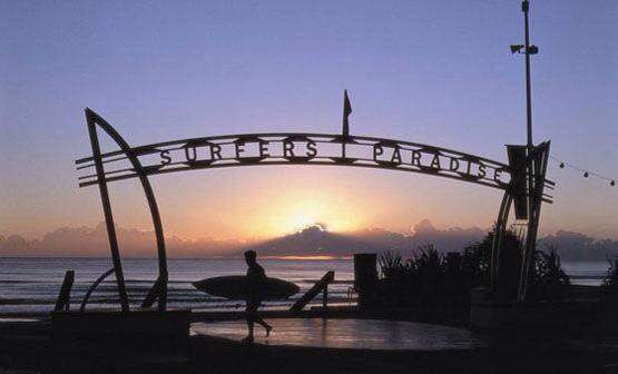 Surfers Paradise ...