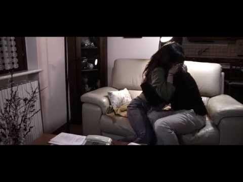 Bentornato a Casa (trailer)  Nei momenti duri e difficili della vita, quando il peso delle sofferenze sembra opprimente e ci sentiamo soli e abbandonati da tutti... Un film, per ricordarci che abbiamo persone vicine disposte ad aiutarci: Bentornato a casa, per la regia di Emanuele Renzi e Francesca Berardi