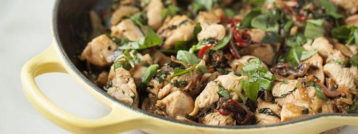 Ricetta per preparare il pollo saltato in padella in maniera veloce con aggiunta di un sapore più audace al classico e amato pollo.