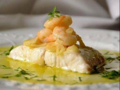 Dorsz z piekarnika w sosie z krewetkami i śmietaną (Merluza al horno con gambas y nata) - Hiszpanskie JedzenieHiszpanskie Jedzenie