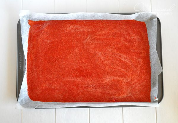 Homemade Strawberry Rollups Fruit Leather | The Organised Housewife