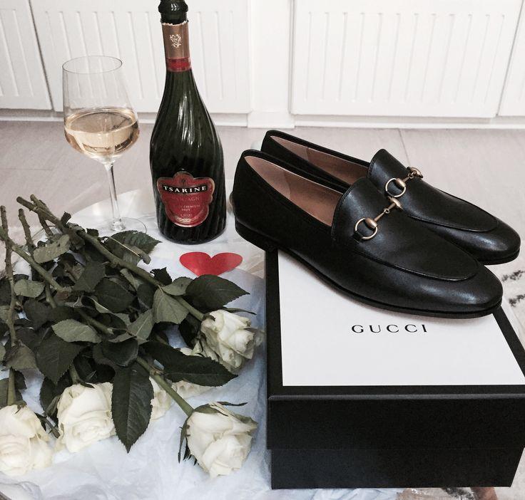 #crush#valentinesday#saintvalentin#happybirthdaytome#birthdaygirl#love#hapiness#shoes#gucci#guccishoes#guccijordaan#jordaanloaffers#ootd#fashion#blog#blogger
