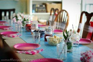 Table rose & bleu