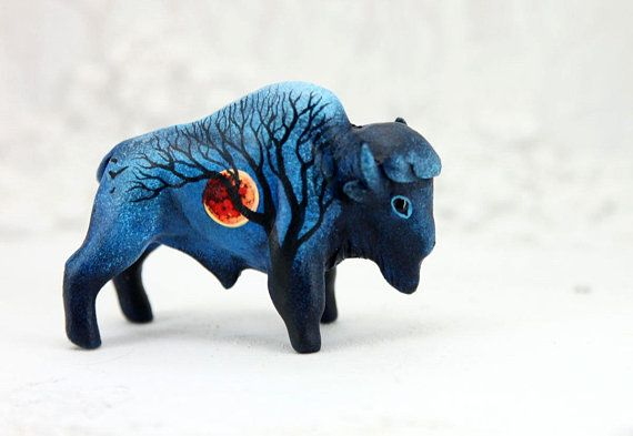 Bison Buffalo Figurine Sculpture Totem Animal Moon Wanderer Etsy Polymer Clay Animals Gifts For Nature Lovers Buffalo Animal