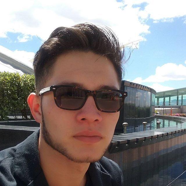 Mientra espero ... un rato en el sol! ! #live #newlook #look #live #vida #sol
