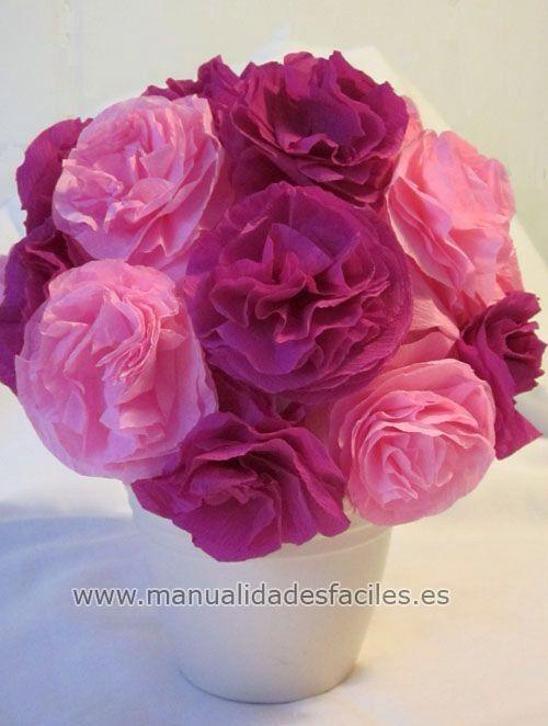 """Flores hechas con papel china, los colores son clave para """"realzar"""" los tonos, esto en una maceta de unicel."""