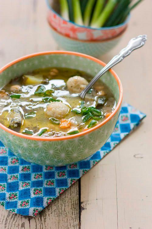 "Soupe ""adass bel-hamud""."