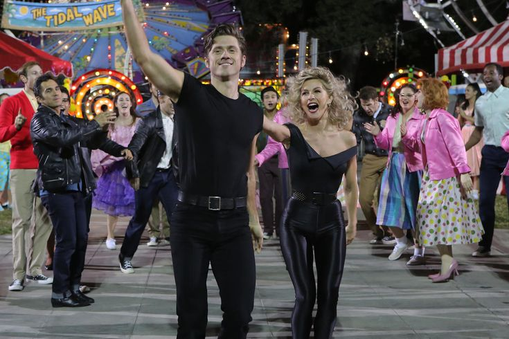 VIDEO: Julianne Hough and Aaron Tveit Reveal Their Favorite Grease: Live Moments
