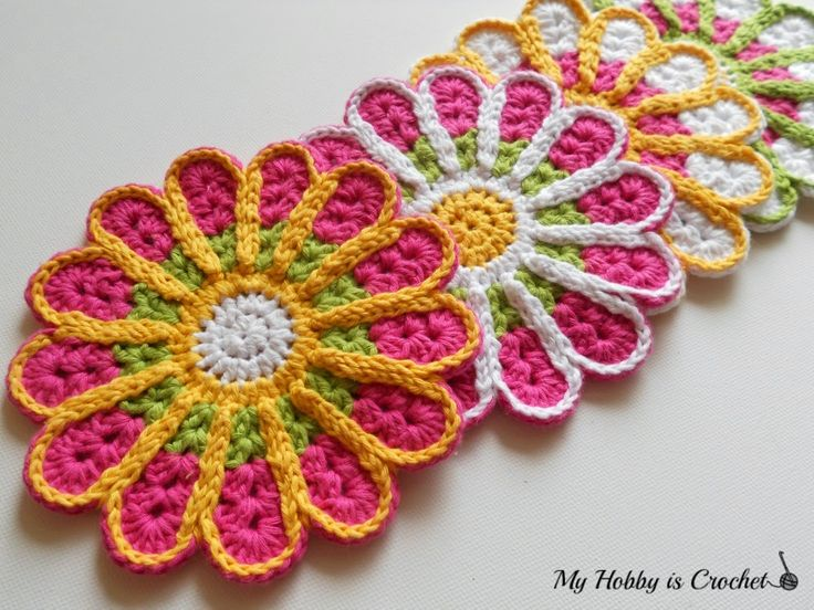 Chrysanthemum / Flower Coaster – Free Crochet Pattern Review