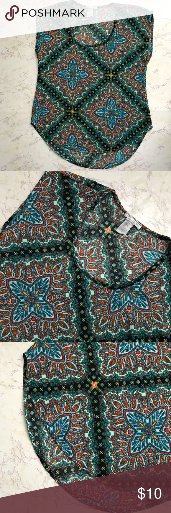Body Central Blouse Size Small body Central print blouse. 100% polyester. Scoop hem bottom Body Central Tops Blouses