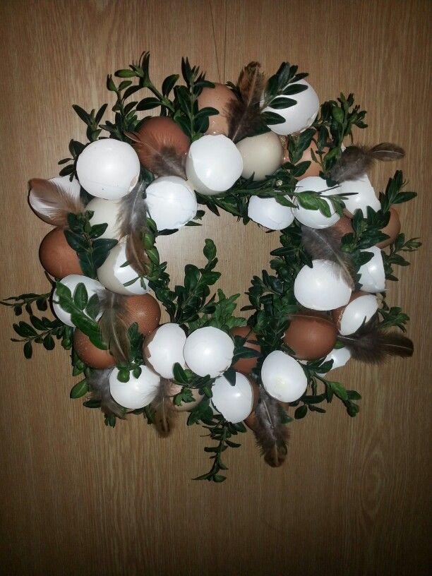 Easter craft, diy egg shell wreath