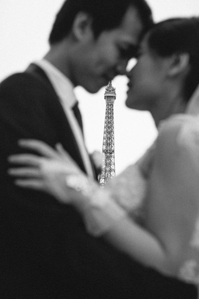 Nhẹ nhàng thôi, Paris à... » Through The Glass Photography https://throughtheglass.photo - Wedding, pre-wedding, elopement, romatic photographers in Paris