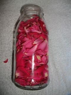 Magica Natura: Acqua di rose