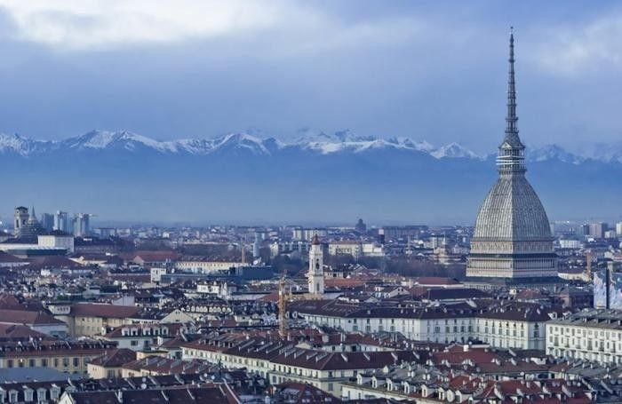 Torino è come un grande e brutto neo in mezzo al Paese