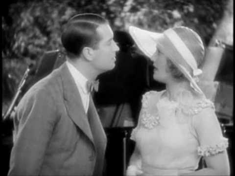 "Maurice Chevalier singing ""Mimi"" to Jeanette MacDonald - YouTube"