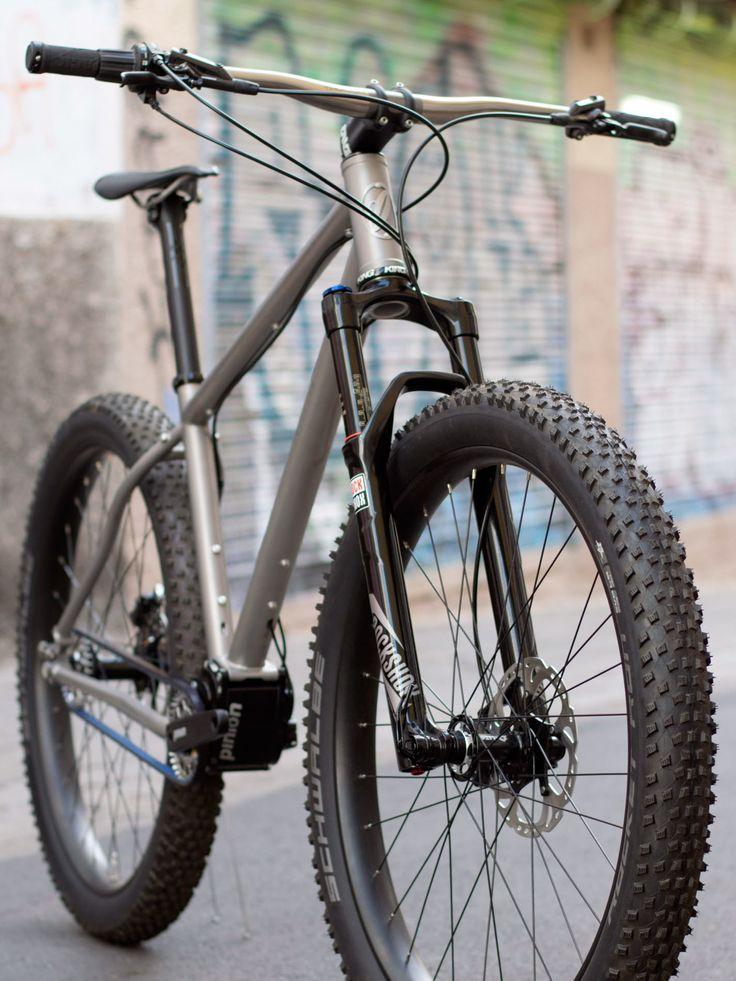 jeronimo-cycles_ti-mtb-pinion_275titanium-off-road-adventure-hardtail-mountain-bike_3-4-detail