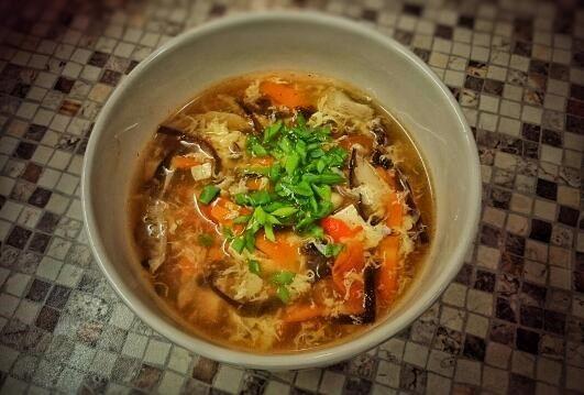 Китайский кисло-острый суп с тофу