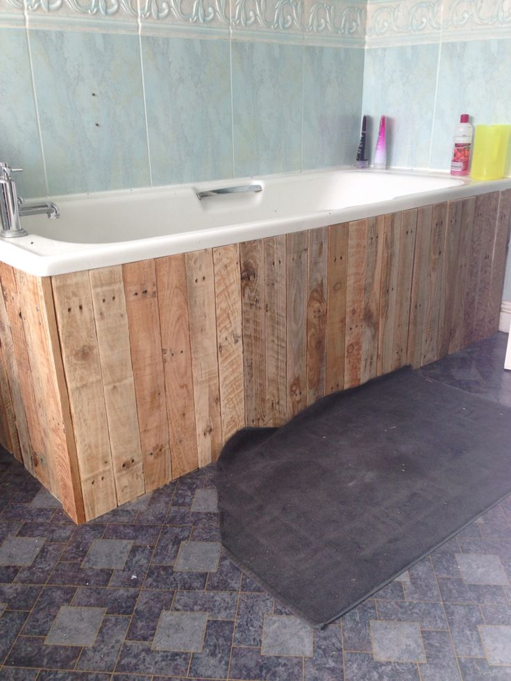Best 20 bath panel ideas on pinterest for Pallet bathroom ideas