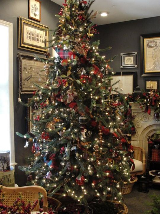 Mad for Plaid Christmas Tree. Love plaid for a space with a masculine feel,  love plaid in general at Christmas.