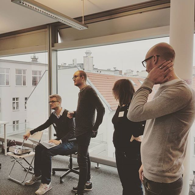Setting up kitten videos for the projector @adblockplus  #berlin #berlinofficeopening #journalism #publishers #startup #startuplife #q&a #discussion #niceday #morning #goodmorning #partner