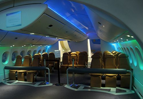 Future spacecraft interior design 787 dreamliner boeing for Interior 787 dreamliner