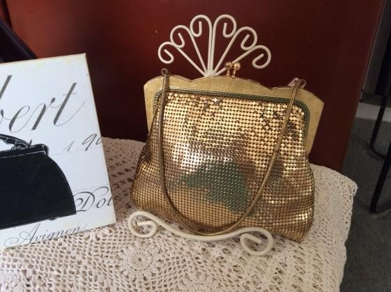 Round She Goes - Market Place - Vintage Gold Oroton mesh party bag