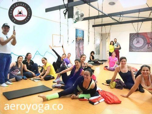 Colombia! Aero Yoga Acrobático, Teacher Training en Bogotá con Rafael Martinez