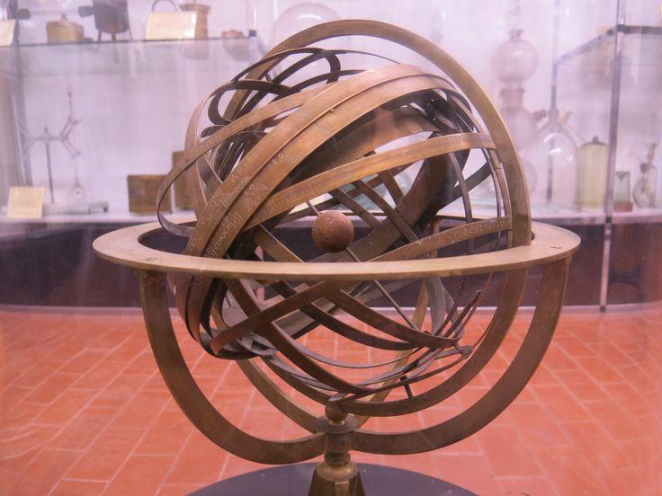 MSC UNIPD sfera armillare - rappresenta le orbite solide dei pianeti e del Sole mediante armille (anelli), sistema Tolemaico, museo della fisica 11 ottobre 2013