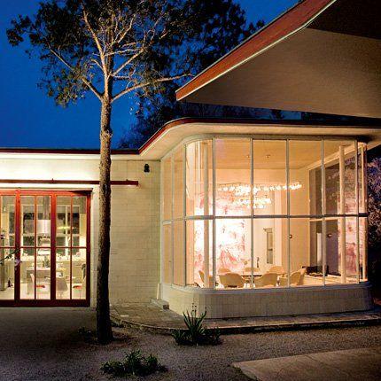 Une station service des ann es 50 transform e en maison for Architecture annees 50