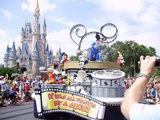 eating CHEAP at Disney World