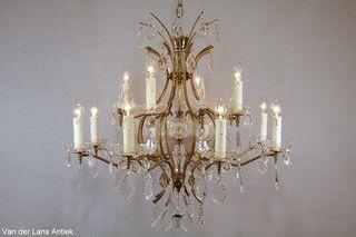 Franse kroonluchter 26145 bij Van der Lans Antiek. Meer antieke lampen op www.lansantiek.com