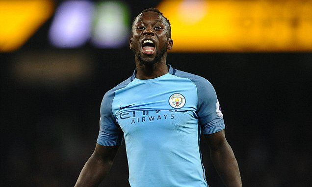 Bacary Sagna prepared to take paycut as he seeks new club