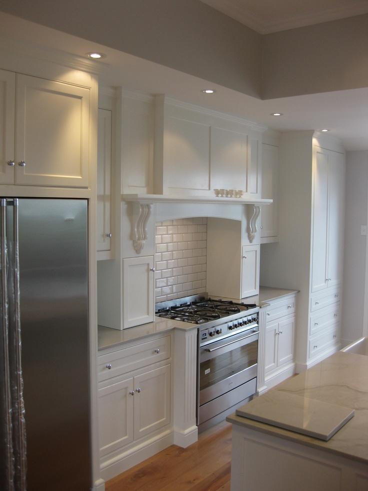 Villa Kitchen, Love the white!