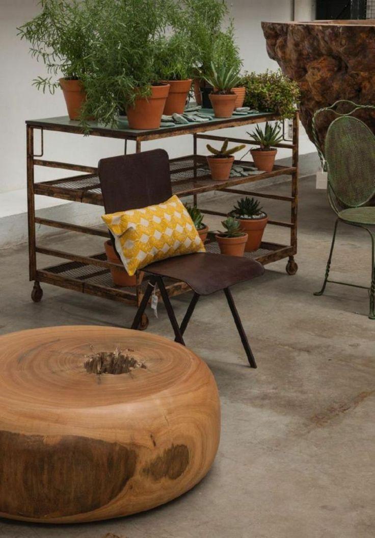Meubles en bois brut par Tora Brasil - les meubles extraordinaires ...