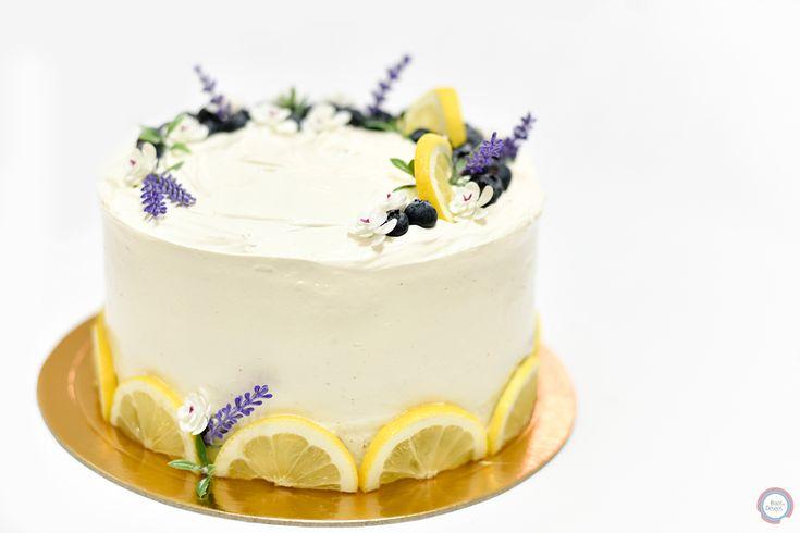 Lemon Meringue Cake   #lemonmeringue #lemoncake #lemonmeringuecake #lemon #bolosedesejos #cakedesign #cakedecorating #cakedecorator #cake #sweettooth #foodpics #tasty #delicious #delish #dessert #dessertporn #dessertgram #dessertlover #yummy #instagood #instafood #instacake #cakedesigner #food #desserts #amazing #sweet #foods #foodporn