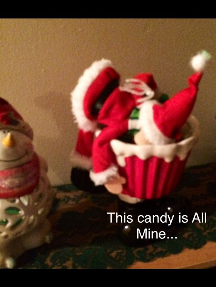 Elf likes candy