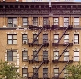 Cheap rent. Studio in the Upper East Side.Price:$ 1,600.