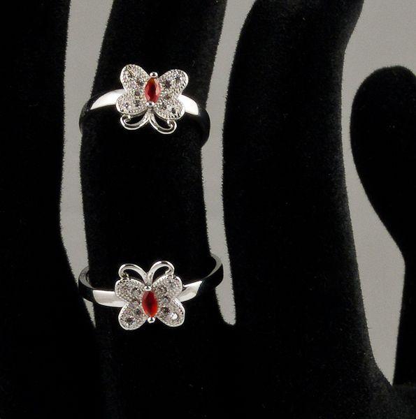 #butterfly #rings #jewelry // Inel reglabil din argint model fluturas doar pe www.silverbox.ro