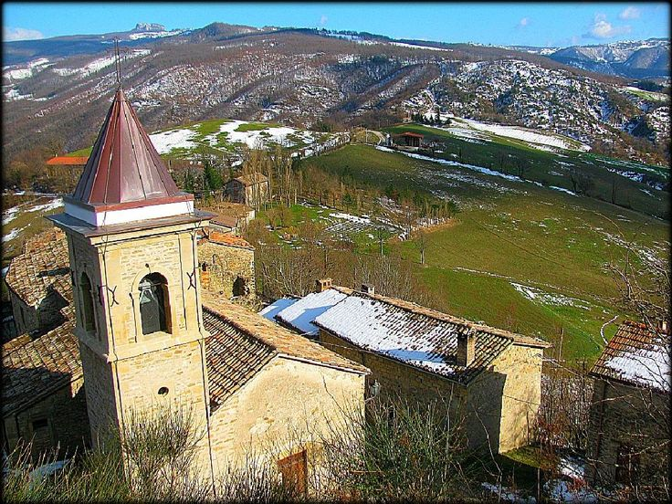 CASTELLO DI BASCIO E PARCO SASSO SIMONE E SIMONCELLO by PHOTO@LORIS #bascio #valmarecchia #parcosassosimone #pennabilli